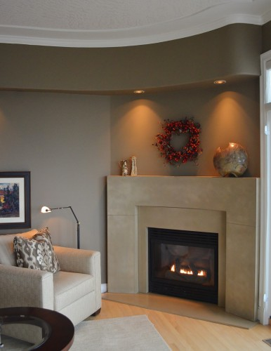 Curved Fireplace room